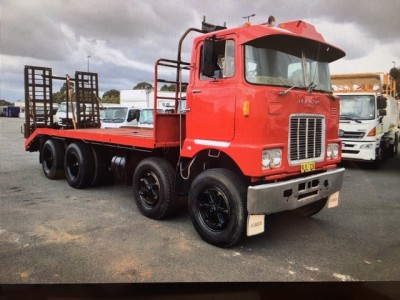 SOLD - MACK FR786 BEAVERTAIL WITH RAMPS